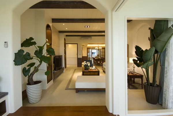 一根根木梁,让整体的设计对称、和谐。