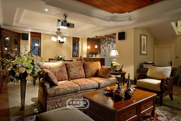 此区域为地下室的休闲区,来了朋友可以在这层楼看电影、休闲。