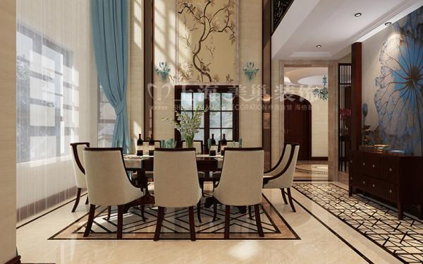 新中式装修普罗旺世600平别墅餐厅效果图,整个空间为暖灰色调,加入一些天蓝色装饰,使人能够眼前一亮