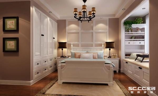 卧室设计: 经典淡咖色和白色的色彩搭配,,让整个卧室温馨舒适,利用蓝白色的软装色彩搭配使地中海风情更加浓郁,空间搭配合理,不失大气,不显局促,让人感受到地中海风格魅力散发出的古老尊贵的田园气