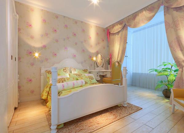 主卧:卧室布置较为温馨,作为主人的私密空间,主要以功能性和实用舒适为考虑的重点,一般的卧室不设顶灯,多用温馨的水晶灯来装点,同时与壁纸背景墙等软装搭配上形成统一。