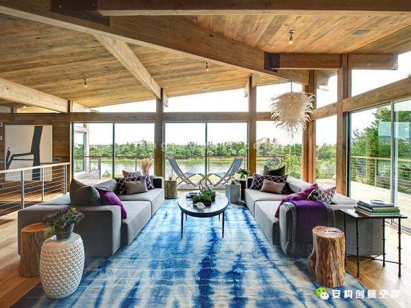 活动板房的墙板是在轻型木框架结构住宅中经常用到的,在飓风等强对流天气来临时便起到很好的作用。