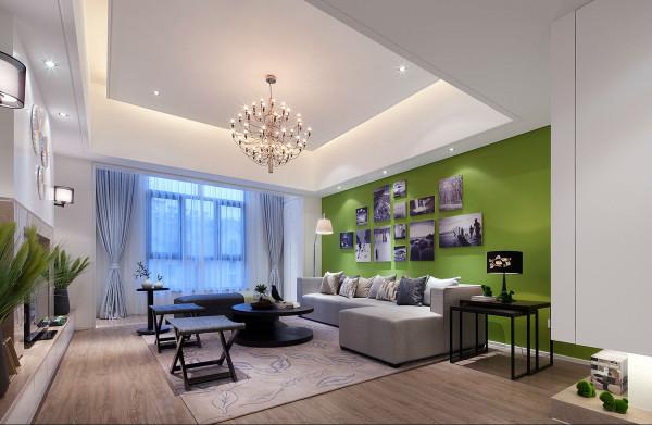 简洁的造型,完美的细节,营造出时尚前卫的感觉,不论卧室还是客厅,本设计都集中体现了这一点,同时也满足了业主的要求,避免了白色木地板带来的不便。
