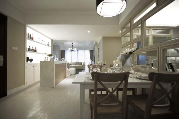餐厅的设计、和谐、大气。