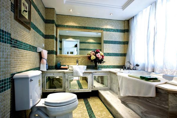 卫生间的设计个性,像一面草地,整体的感觉清新、自然。