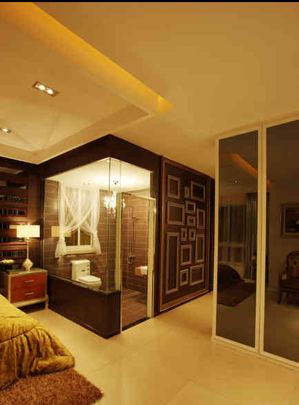 卫生间的玻璃围墙设计是目前正在流行的设计方法。