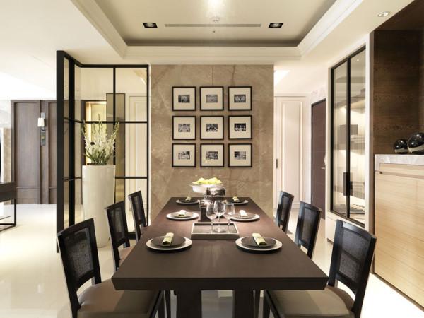 餐厅整体的家具设计,看起来美观、大气,颜色也比较沉稳。