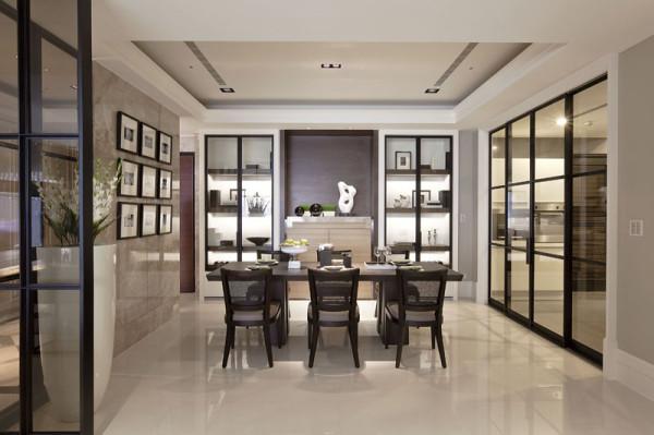 餐厅餐桌的设计也很大方,对称的设计看起来美观、和谐。