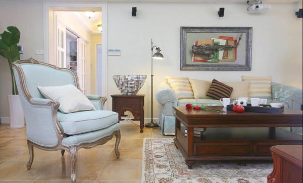 精致的欧式沙发,传达着欧式的奢华与浪漫。