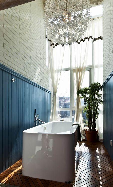 浴缸放在这样一个小角落里也是挺有韵味。   上海华埔装饰预约热线:13653826244