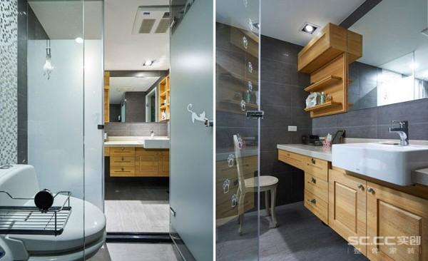 设计师将梳妆与洗脸盆功能整合在外,规整出清爽干净的卫浴空间。