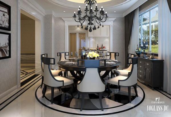 """这套670平米的别墅里,家具的摆放干练而简约,整体空间透漏出一个""""静""""字,让业主在忙碌的生活之后安静高雅地享受生活。"""