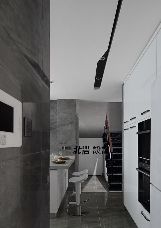 开放式厨房,极大的扩展了餐厨空间,保证了充足的台面和简餐区域,将厨房电器整合至过道一侧,心爱的各种电器,终于可以摆放到位了。