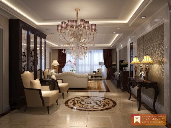 紫色的水晶吊灯,书柜和沙发点缀玄关,既不让玄关太过单调,同时也能增加储物功能