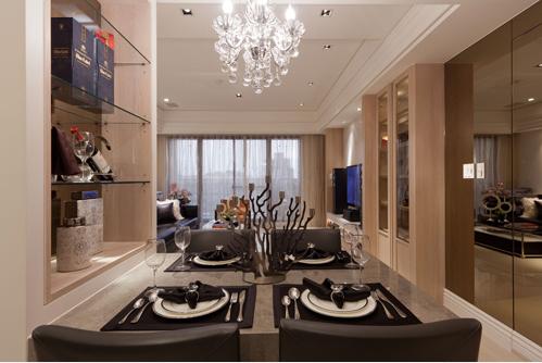 餐厅与吧台的二进式规划,巧妙转换用餐形态