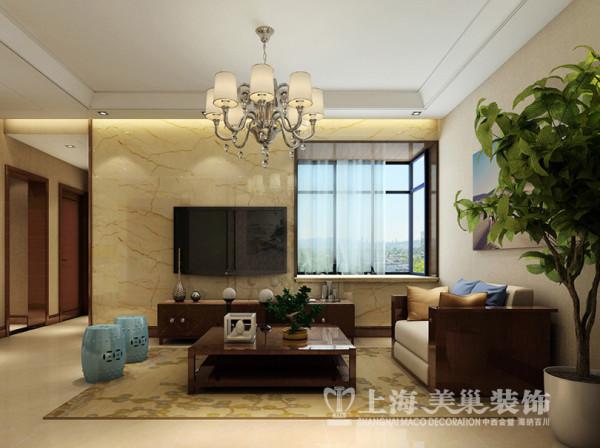 昌建誉峰7号楼2室2厅新中式风格电视墙装修方案---电视背景墙因为飘窗的原因使得其并不完整,通过石材材质的统一,让原本不大的电视墙看起来整齐而大气。