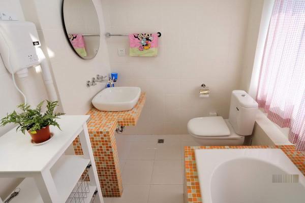 儿童卫生间的设计,根据孩子的需求设计,强调功能性。