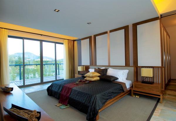 主卧的设计和客厅的设计相互呼应,整体的感觉相对美观。