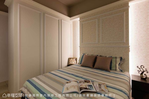 优雅的用色让主卧弥漫温馨静谧的好气质,柜体以线板语汇延续美式风格。