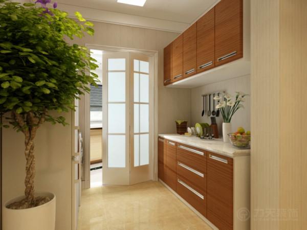 厨房用一个推拉门隔开,这样能保持餐厅不受油烟的熏染