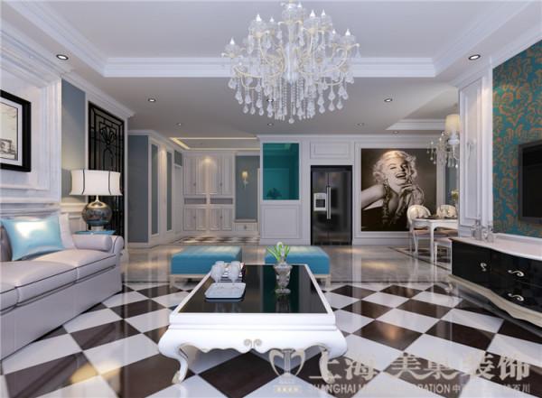 上都国际三室两厅美式乡村装修效果图-入口衣帽柜及玄关,蓝色偏灰的墙面,为空间提供了更加丰富的层次感,木质线条装饰的柜子,实用又不失美观。蓝色玻璃的玄关,通透且增加了空间的私密性。