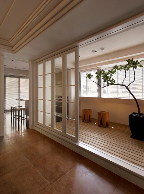简约 V7西园 阳台图片来自紫禁尚品设计师李擎在V7西园现代简约设计案例的分享