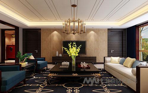 客厅设计,极具中国韵味的吊顶彰显了主人深厚的文化底蕴,古典风格的茶几与现代沙发相搭配,氛围和谐。在沙发后方的墙上,一幅清新的画作,为空间添加了几许自然的味道。