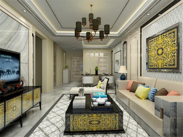 客厅采用明快的线条分割造型,客厅与餐厅采用回形吊顶