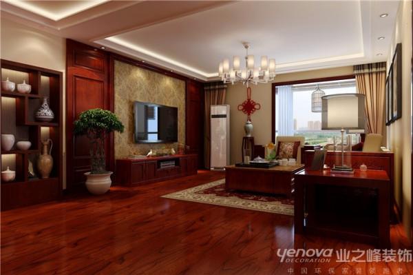 在用材方面讲究适中、稳雅、舒适、大气,方案的重点在 于通过合理的改造结构,运用材质及后期的家具配饰,达到舒适雅静的效果。