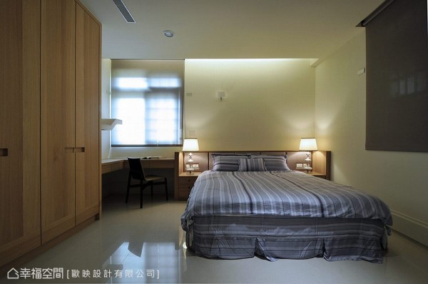带入自然的木质元素,卧房以简约造型带出书店般的人文气质。