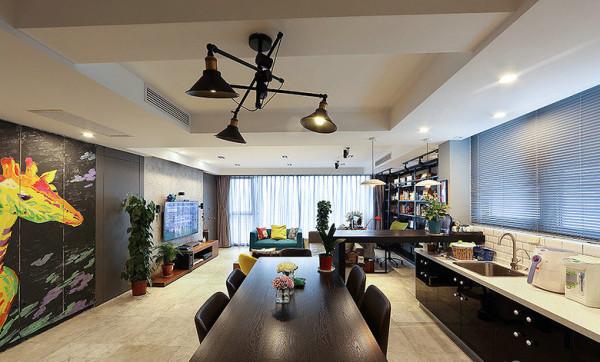 开放式厨房让餐厅和客厅连为一体