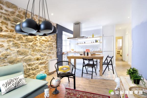 设计师的目的,是竭尽所能的打造出一个年轻的、具有城市特色的灵活居住空间。