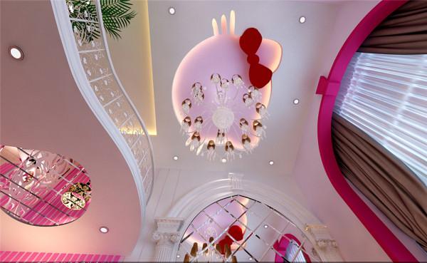 设计中运用了简欧风格的元素,还有kitty可爱的造型吊顶与欧式元素的结合,将古典的皇家装饰元素融入了设计中,使整个空间高贵不失典雅。