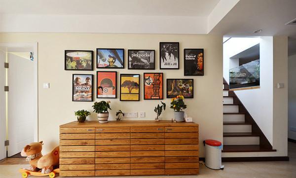 储物柜及装饰画