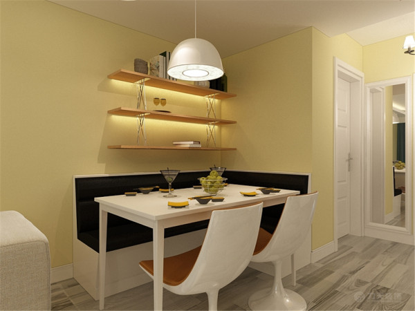 客厅运用了圆角回字形加筒灯加灯带的造型设计。配以筒灯的装饰,更加明确的在吊顶上区分了客厅与餐厅的空间