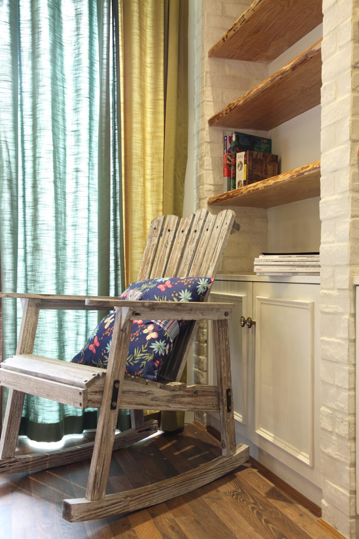 卧室图片来自小若爱雨在设计让整个空间得到利用的分享