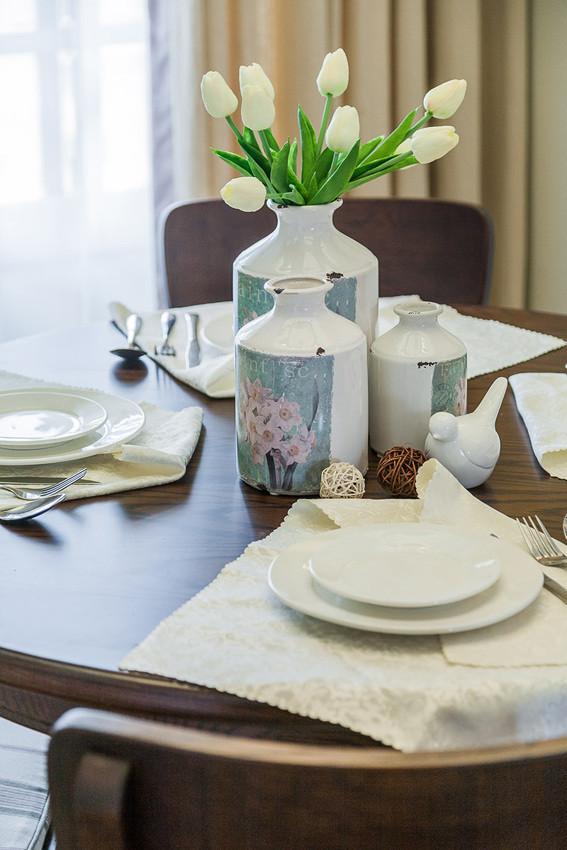 餐桌上装饰品