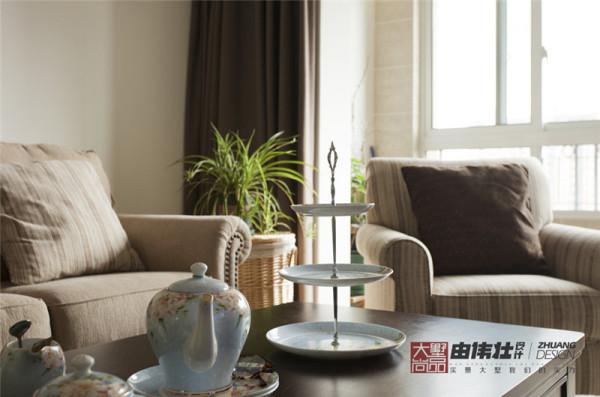 温润细腻的陶瓷彰显了主人雅致的品位。