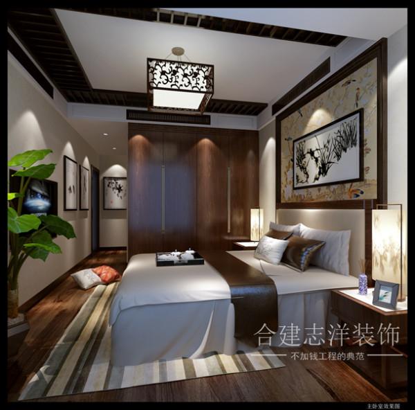 中年人的卧室,除了安逸的休息氛围,还总有些人生的痕迹,靠墙的衣橱可以收纳主人大部分的衣物,而在顶面则做了一下处理,用木作的线条在顶面做了一些处理,更显设计性与中国文化的存在。