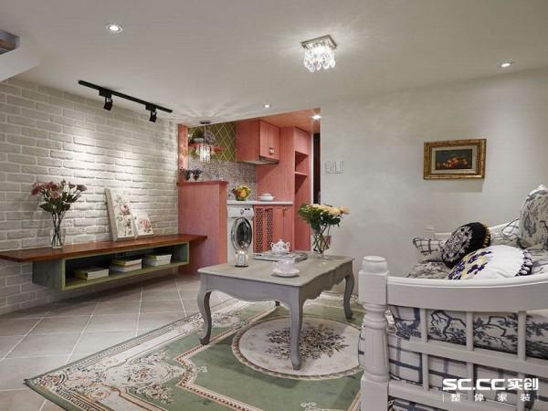 挑选复古色泽的意大利进口砖作为地面铺设,为美式乡村的闲逸氛围完美打底。