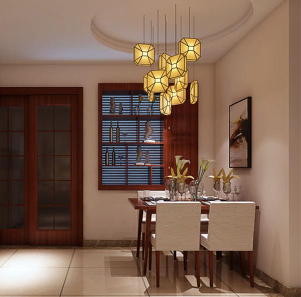 新中式设计的表现手法,考虑到业主实际的居住需求,在这个新家展现出一种古典与现代完美结合的新层次感。