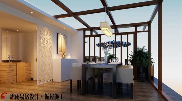 清爽大气的露台,在这里改造为两个空间,餐厅与露台相结合。通透式的玻璃房营造出别样的就餐环境。