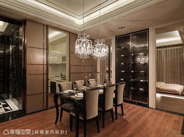 厨房和卧室运用清透的媒材,除了界定空间外,也带来轻盈穿透的视感。