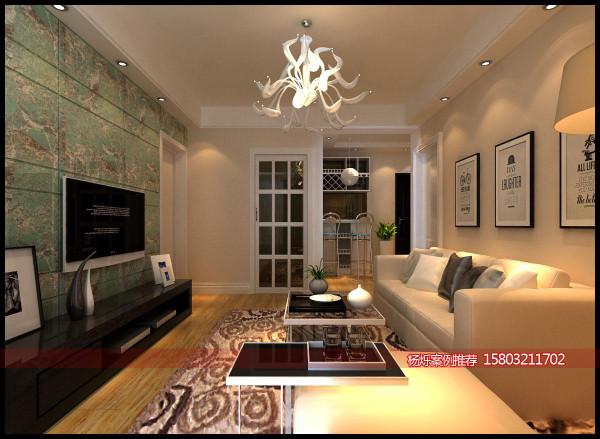 沙发背景只是用几幅画点缀了一下,简约而不简单,整体沙发的颜色也是采用浅色为主,与其他场景家具融合为一体。吊灯采用传统的吊灯样式,不会宣兵夺主而又与场景协调。