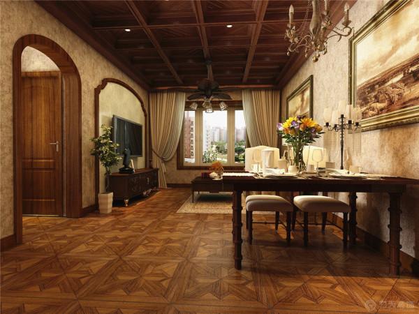 璞归真的视觉效果,整体的顶基本用木质吊顶,真正展现了美式古典风格的独具魅力。电视以及餐厅背景墙面简单壁纸做造型,整体墙面选用美式壁纸,客厅地毯选用复古样式,卧室均选用木质美式家具,