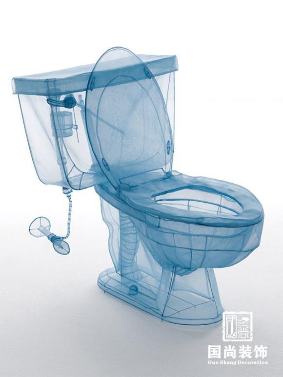 韩国设计师 Do-Ho Suh 的雕塑作品,利用涤纶面料与铁条所制作的家中用品,剖析到它们的内部,创意浴缸/' target='_blank'>浴缸、马桶、冰箱等等。更多创意,尽在一点点。