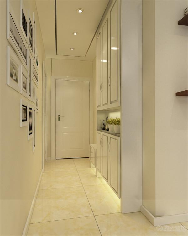 由于玄关位置比较长,顶面做吊平顶,放鞋柜,既有层次感,又可以方便主人的起居。