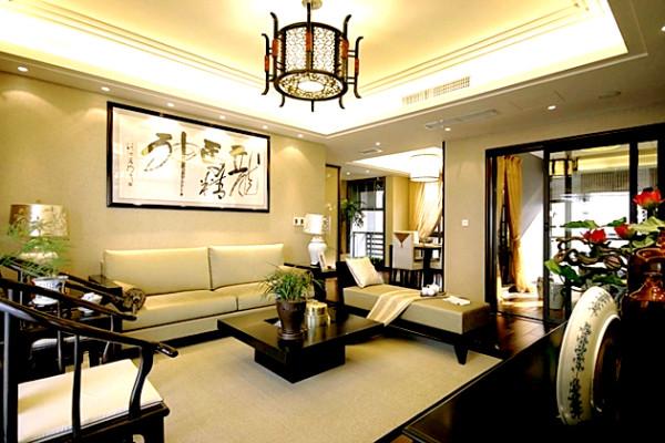 中式是修心的,外在的美并非全部的美,正如你所见的客厅,外在很美,可是仔细回味,更有一种意境美。