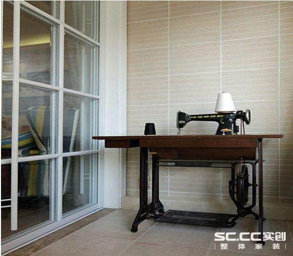 阳台:小平米家居设计一个关键的部分在于不仅能够充分利用、合理设计小空间而且要根据业主的习惯、喜好设计出适合业主的家居环境,本案例根据业主的爱好合理安排了空间的使用。