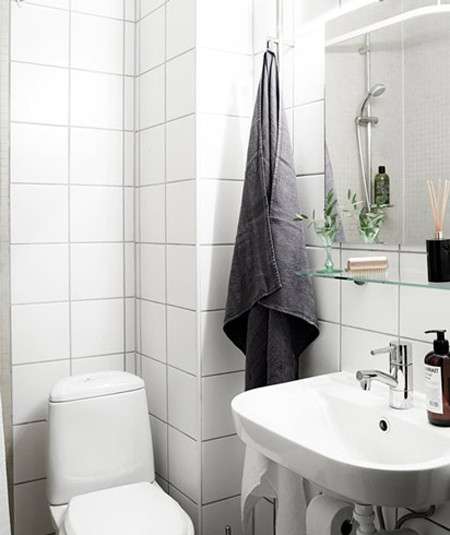 现代而简约,整洁而活泼,自然而清新,通过分区与储物,小空间里的三口之家的需求一应俱全。